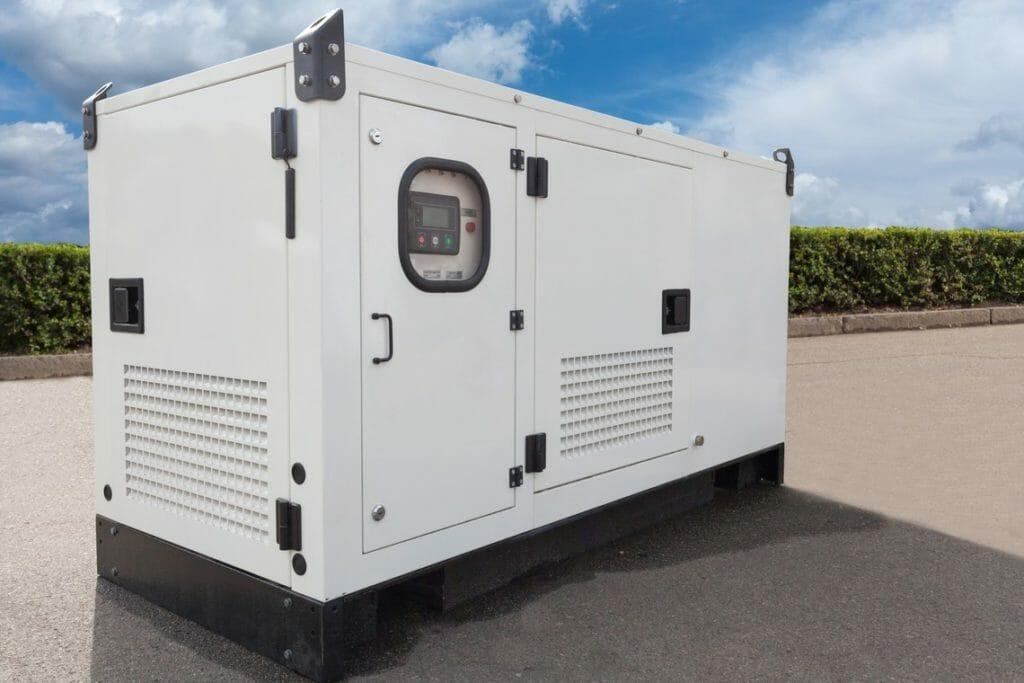 Mobiler Stromerzeuger in weiß