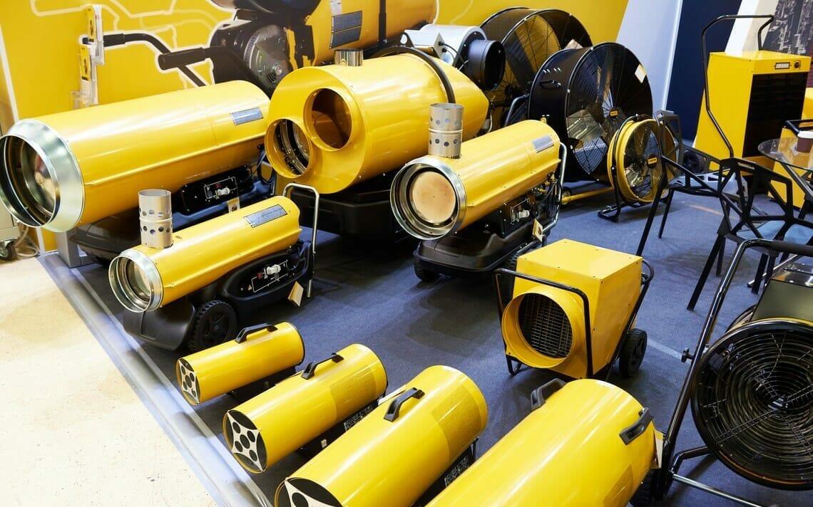 Gelbe Winterbaubeheizung in unterschiedlichen Größen